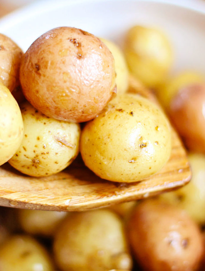 Easy Roasted Whole Baby Potatoes Using the Instant Pot